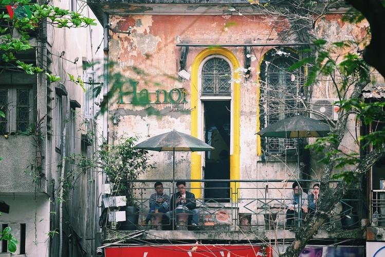 entertainment areas in hanoi deserted as covid-19 fears grip capital hinh 12