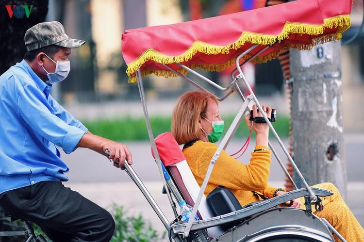 entertainment areas in hanoi deserted as covid-19 fears grip capital hinh 15