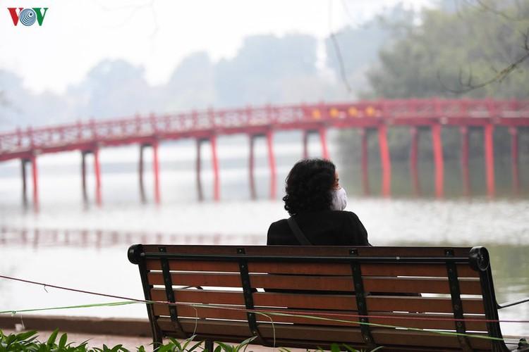 entertainment areas in hanoi deserted as covid-19 fears grip capital hinh 1