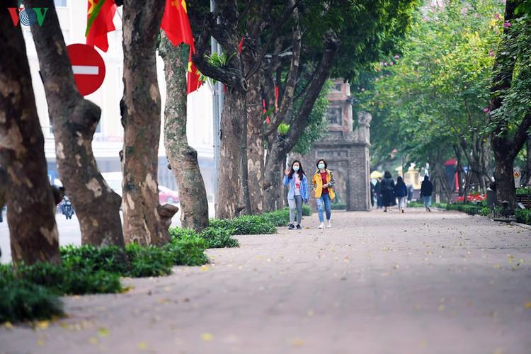 entertainment areas in hanoi deserted as covid-19 fears grip capital hinh 4