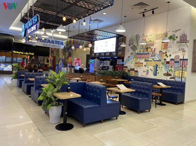 commercial centres deserted in hanoi amidst covid-19 fears hinh 11