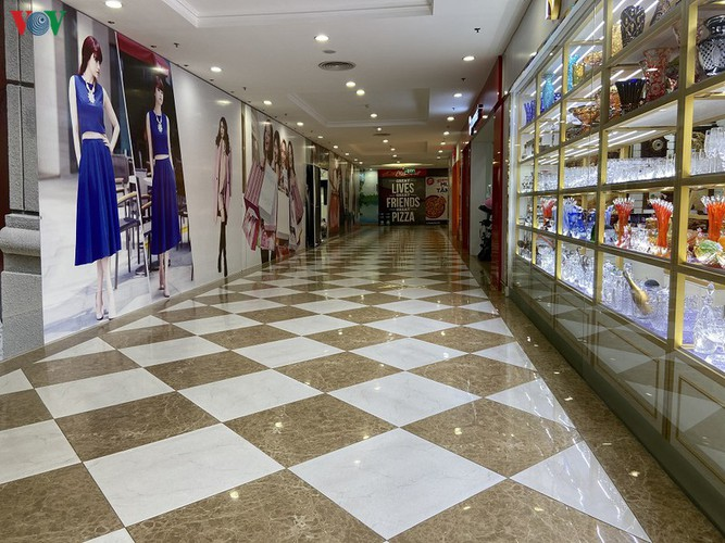 commercial centres deserted in hanoi amidst covid-19 fears hinh 3