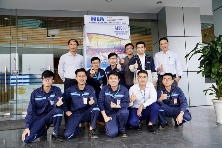 noi bai airport now equipped with mobile disinfection chamber hinh 2