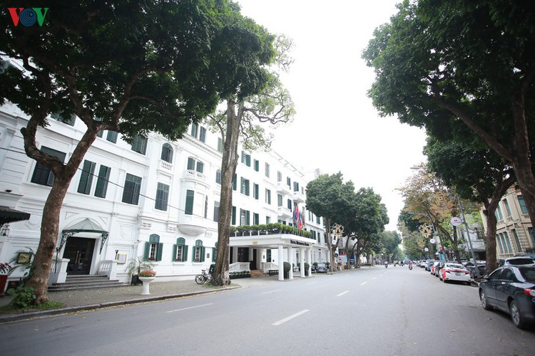 hanoi streets left deserted after business closures hinh 10