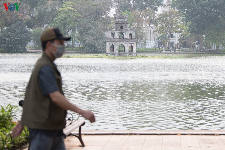 hanoi streets left deserted after business closures hinh 13