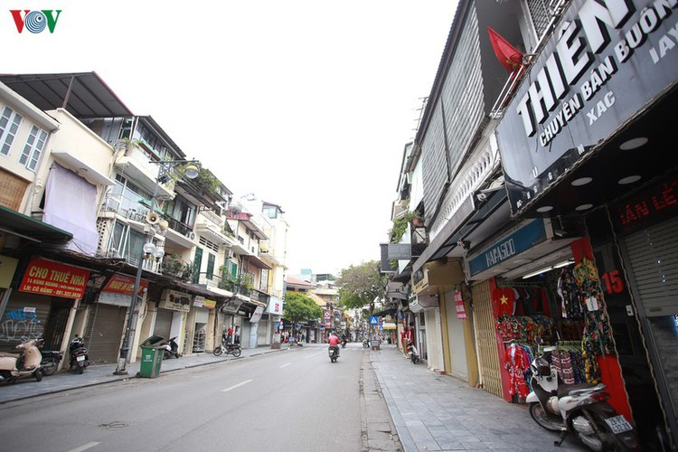 hanoi streets left deserted after business closures hinh 4