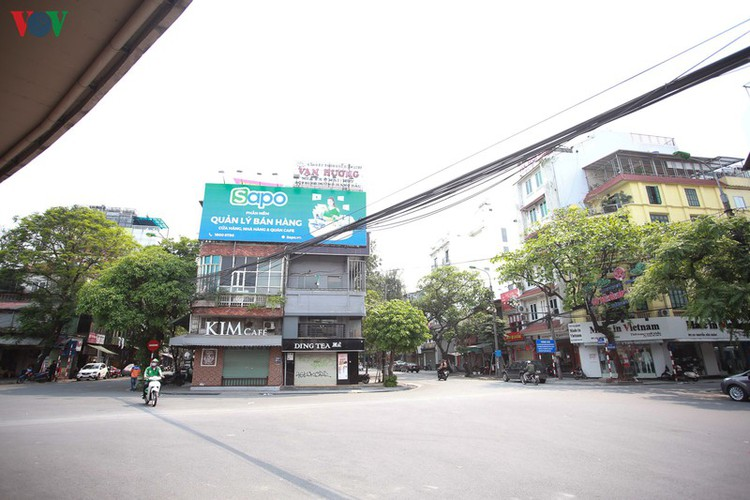 hanoi streets left deserted after business closures hinh 9