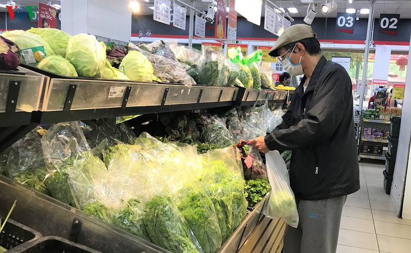 stores stock abundant supply of goods as covid-19 fight ramps up hinh 10