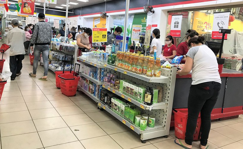 stores stock abundant supply of goods as covid-19 fight ramps up hinh 9