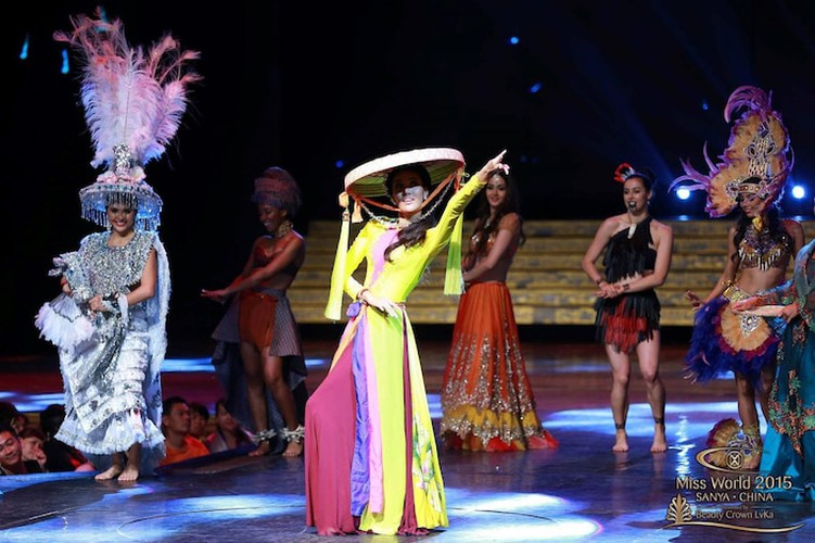 recent performances of vietnamese beauties at miss world's dances of world hinh 4