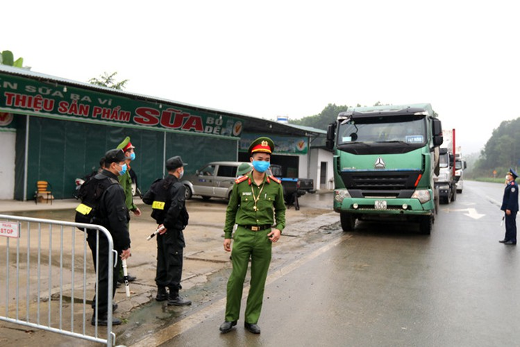 hanoi sets up checkpoints at city entrances to control covid-19 hinh 13
