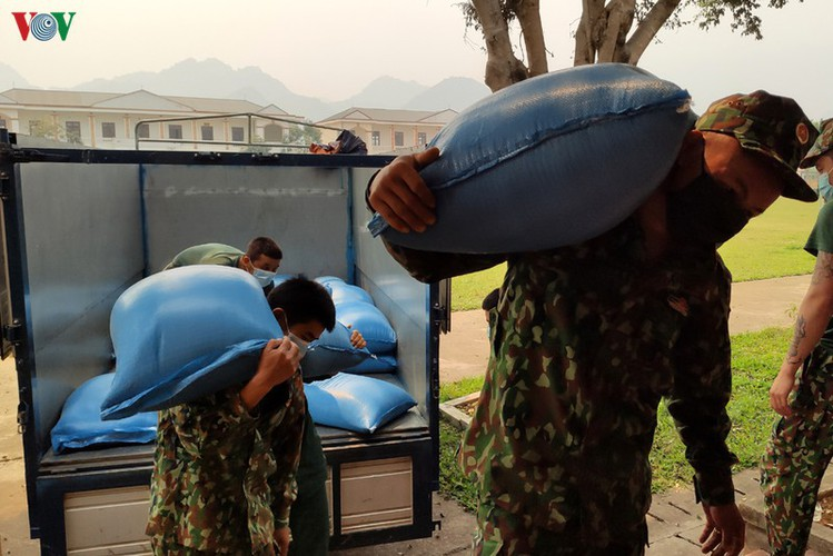 soldiers rise to challenge of caring for people in quarantine hinh 3