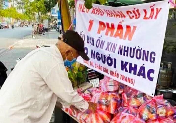 heartfelt images reveal national struggle against covid-19 hinh 1