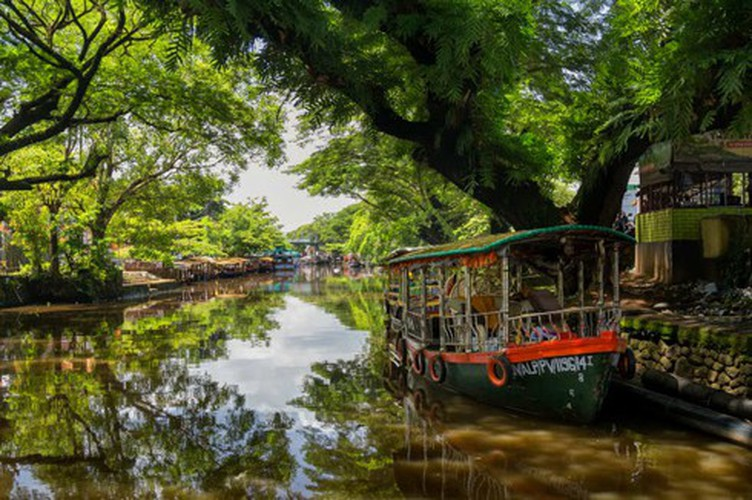 vietnamese settlement listed among global incredible floating villages hinh 10