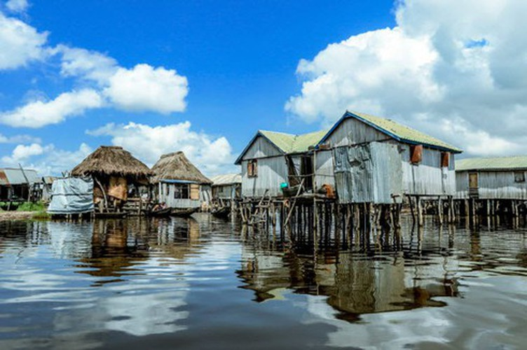 vietnamese settlement listed among global incredible floating villages hinh 12