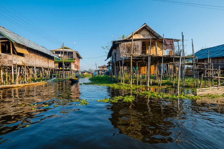vietnamese settlement listed among global incredible floating villages hinh 17