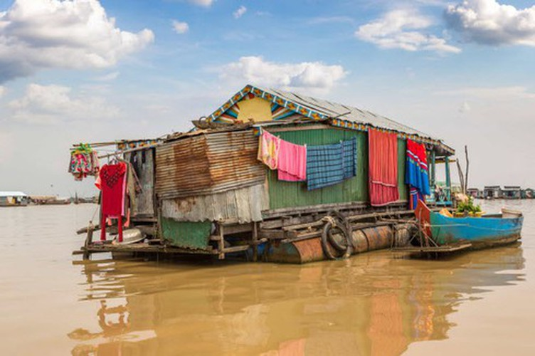vietnamese settlement listed among global incredible floating villages hinh 20