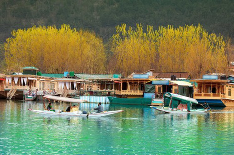 vietnamese settlement listed among global incredible floating villages hinh 4