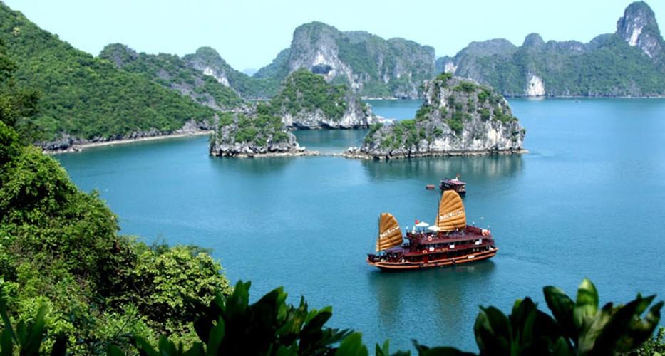 wanderlust suggests 12 top activities when visiting vietnam hinh 4