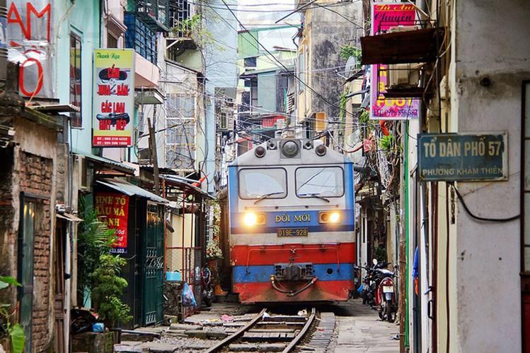 eight interesting things to experience around hanoi hinh 8