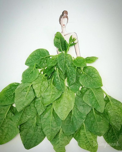 housewife shows off artistic gowns made from vegetables hinh 3