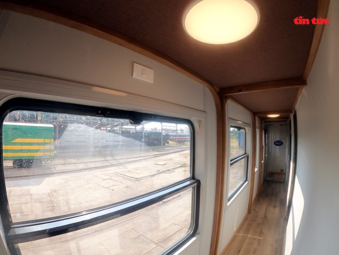 new train set to be equipped with luxury bar hinh 10