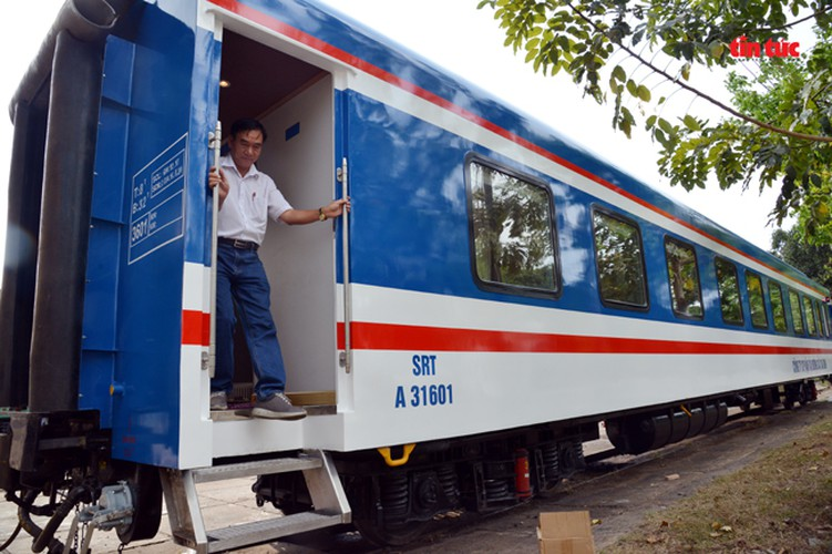 new train set to be equipped with luxury bar hinh 14