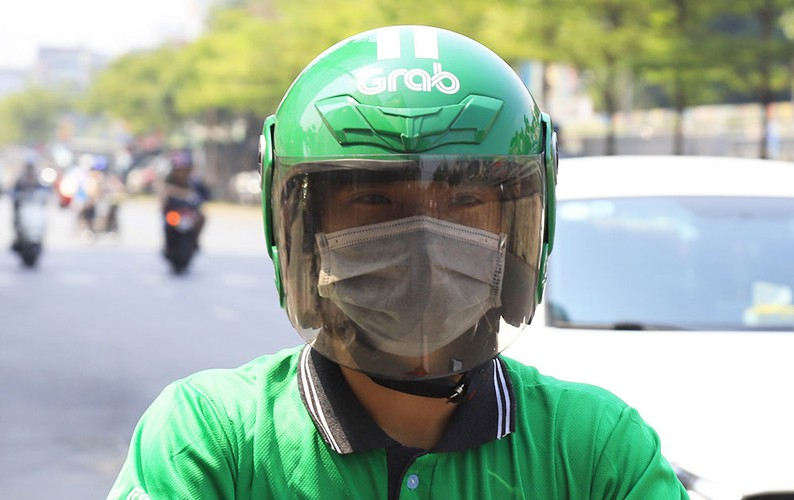 hanoi swelters in the midst of a summer heat wave hinh 5