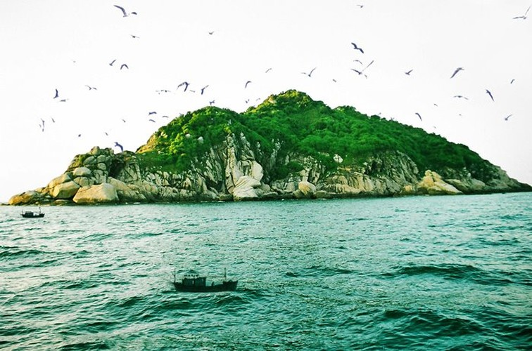 uk travel website unveils list of 10 most beautiful vietnamese islands hinh 12