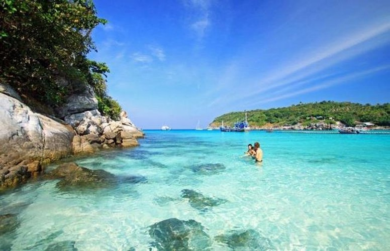 uk travel website unveils list of 10 most beautiful vietnamese islands hinh 9