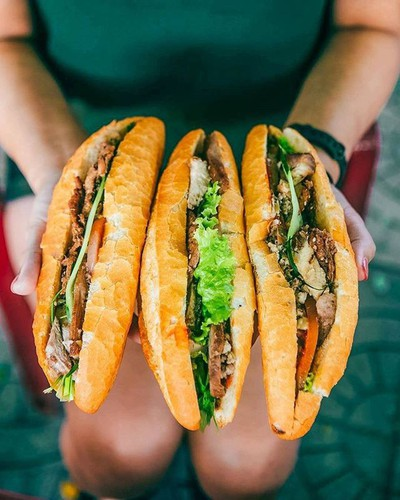must-try street food options for a day trip to hoi an hinh 2