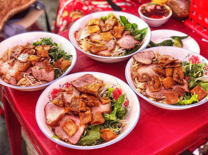 must-try street food options for a day trip to hoi an hinh 4