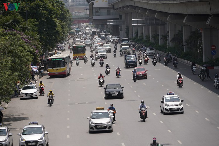hanoi swelters in grip of summer heat wave hinh 8