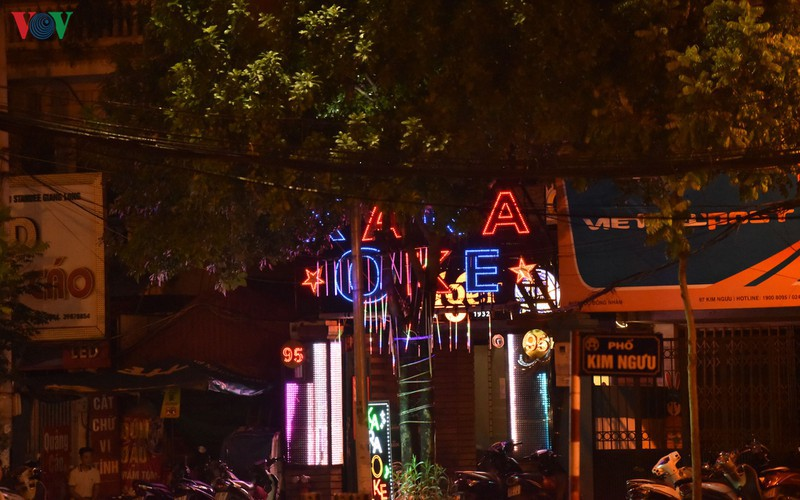 karaoke bars in hanoi remain quiet after re-opening hinh 10