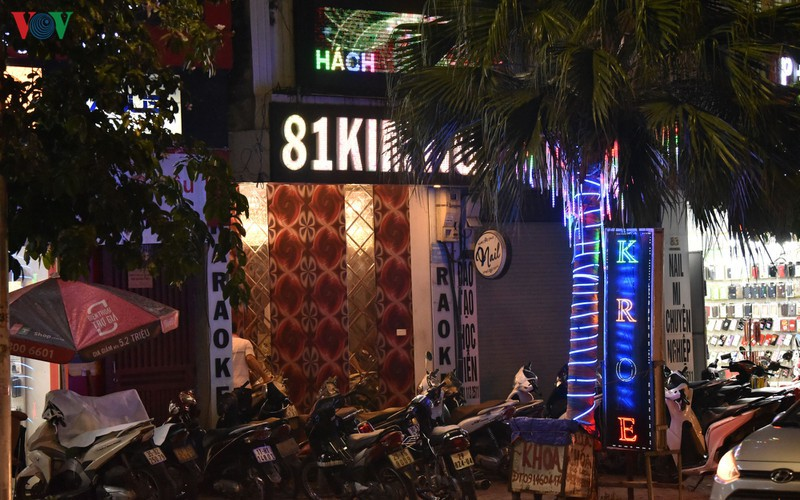 karaoke bars in hanoi remain quiet after re-opening hinh 11