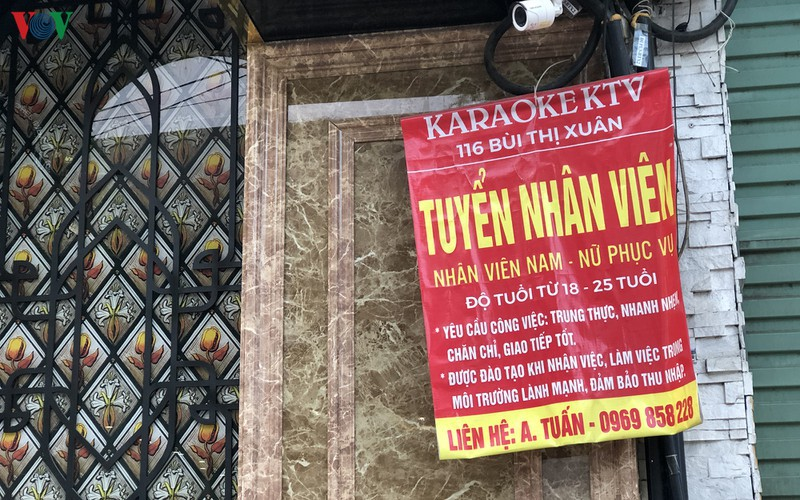 karaoke bars in hanoi remain quiet after re-opening hinh 2