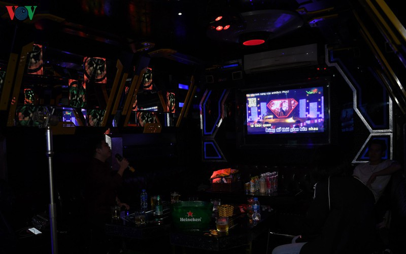 karaoke bars in hanoi remain quiet after re-opening hinh 9
