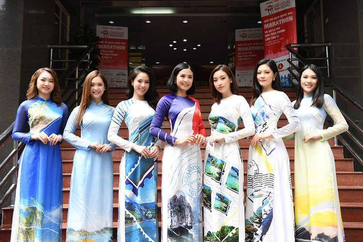 beauty queens shine in ao dai bearing images of national sea and islands hinh 1