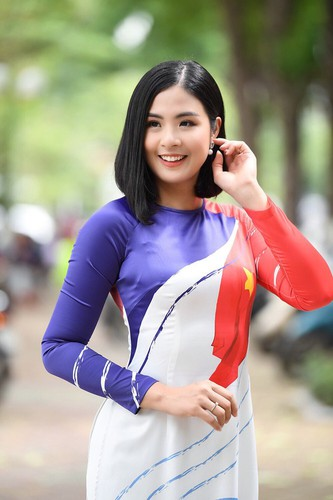 beauty queens shine in ao dai bearing images of national sea and islands hinh 3