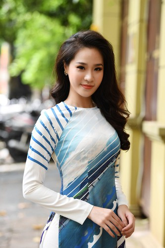 beauty queens shine in ao dai bearing images of national sea and islands hinh 7