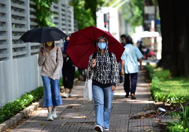 hanoi endures second heat wave, temperatures drop in hcm city hinh 13
