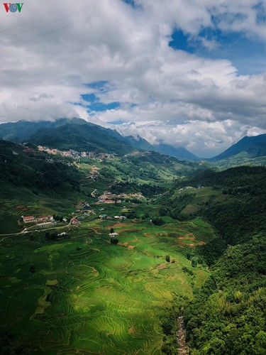 romantic valley seen from fansipan cable car hinh 2