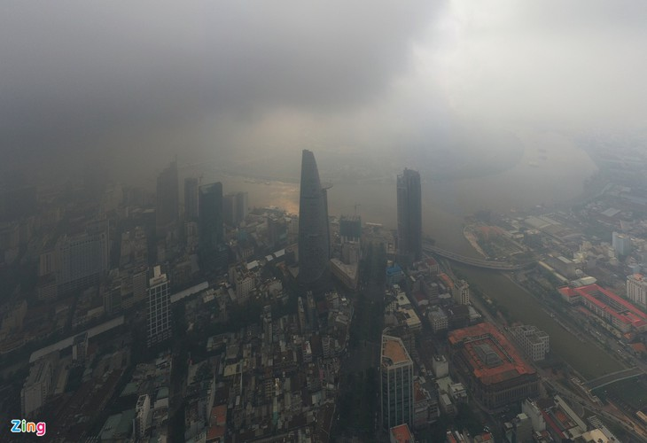 hcm city left gloomy amid heightened levels of air pollution hinh 1