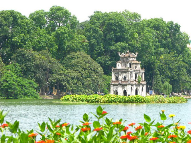 top seven must-see lakes in vietnam hinh 2