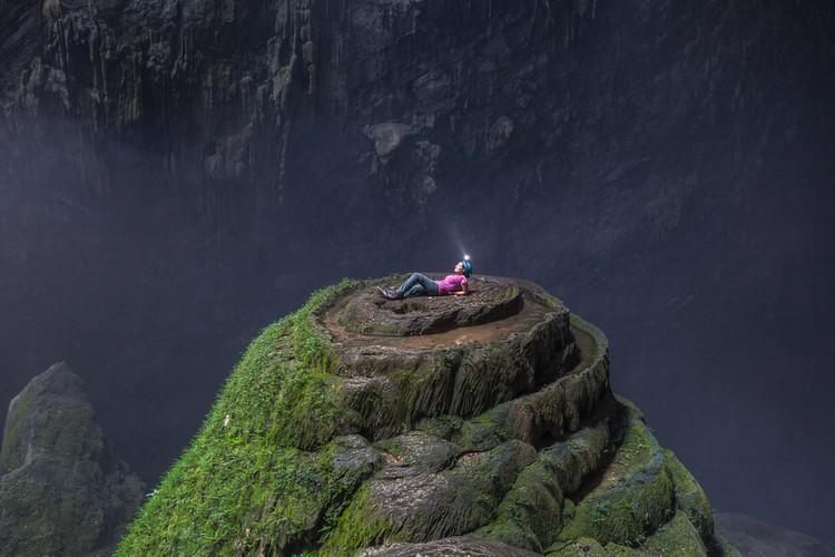 stunning images of son doong cave through australian explorer' lens hinh 1