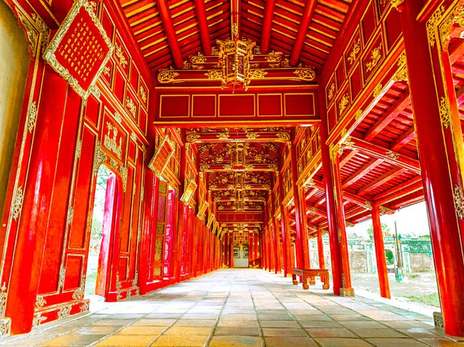 fashion industry marks return with august show in hue imperial citadel hinh 6