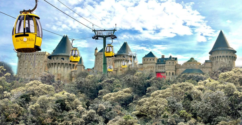 ba na hills cable car leads global list of most spectacular views hinh 1
