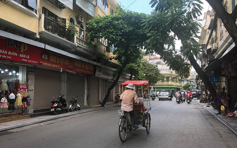 business outlook gloomy for firms based in old quarter of hanoi hinh 1