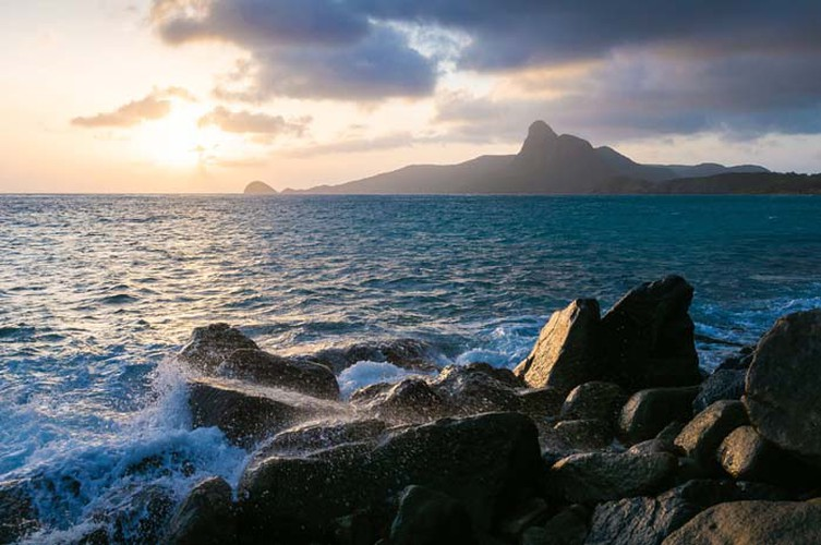images of peaceful con dao island taken by foreign photographers hinh 1