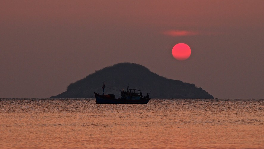 images of peaceful con dao island taken by foreign photographers hinh 2